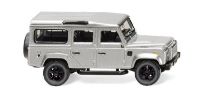 Land Rover Defender 110. Silver.